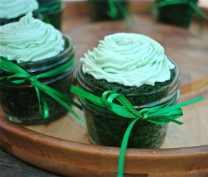 Green Velvet Cake In A Jar